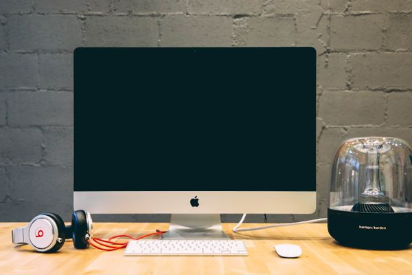 3 Best Computer Monitors for Writers (according to a writer!)
